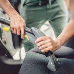 Autositze reinigen – Anleitung für Sitze aus Polyester, Alcantara und Leder